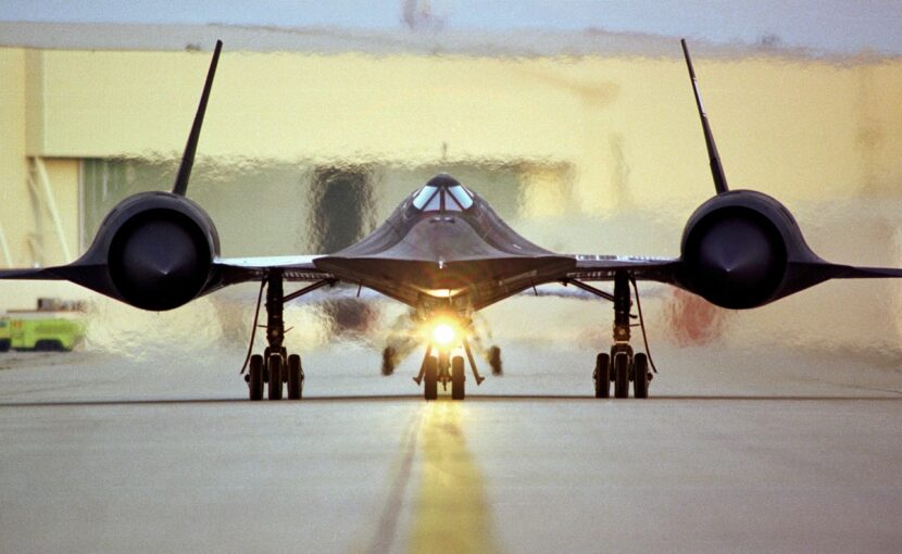 Lockheed SR 71 Blackbird taxing